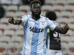 Felipe Caicedo con la maglia della Lazio.