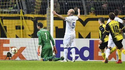 Segna il Borussia, Masiello la prende male. Ap