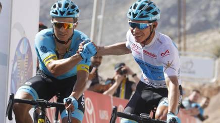 Da destra Miguel Angel Lopez, colombiano di 24 anni, vincitore della tappa, e Alexei Lutsenko, kazako di 25 anni, nuovo leader. Bettini