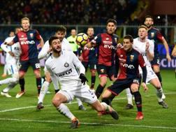 Un momento del match tra Genoa e Inter a Marassi. Afp