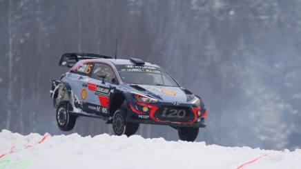 Thierry Neuville sulla Hyundai i20 in Svezia. Ap