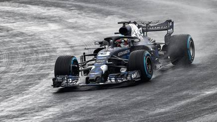 La nuova Red Bull RB14 in azione a Silverstone