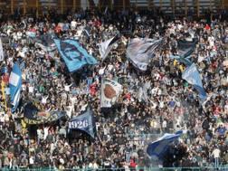 La curva del Napoli al San Paolo. LaPresse