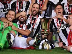 La Juve festeggia la conquista della Coppa Italia 2017.