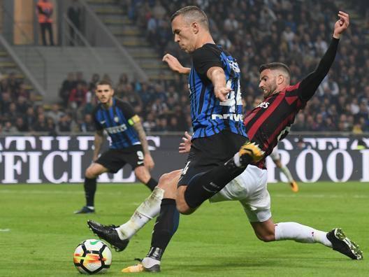 Derby, polemica biglietti Voucher per i rossoneri E per i tifosi dell'Inter?