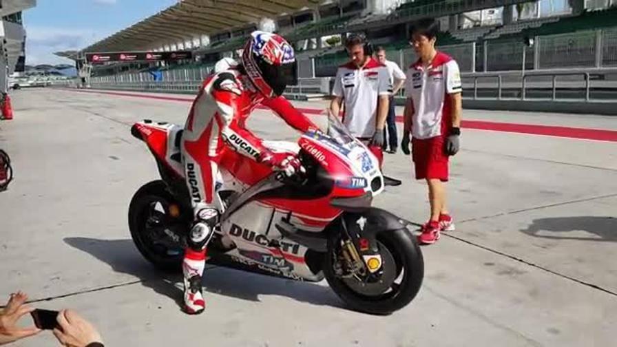 Riecco Stoner, a Sepang con la Ducati