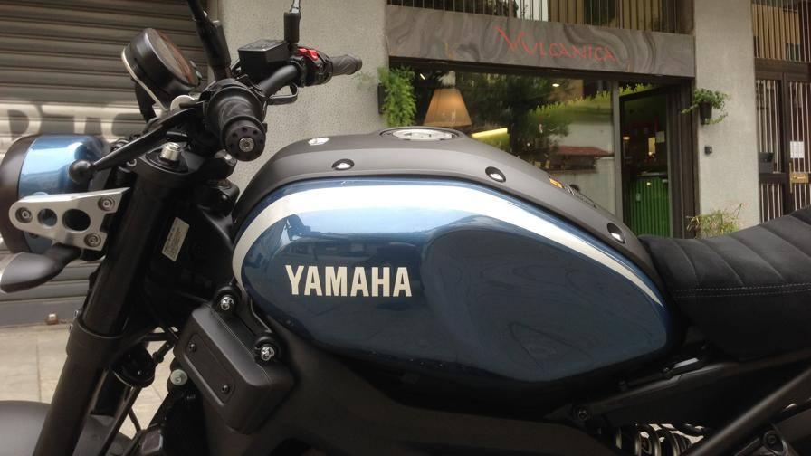 Yamaha XSR900, ecco come canta il tre cilindri