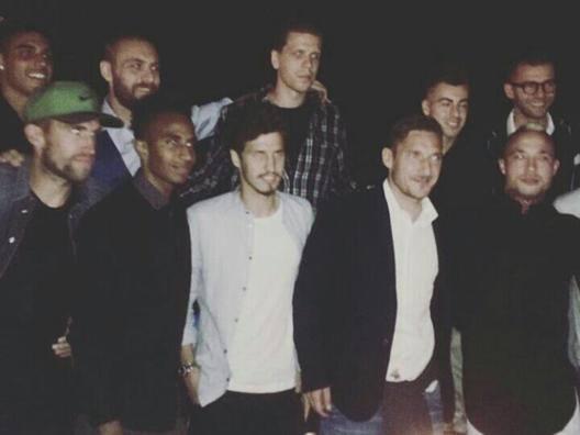 Roma, Totti protagonista a festa Nainggolan: