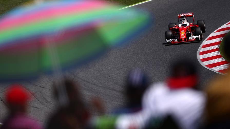 """La Ferrari si fa """"sentire"""" su Instagram"""