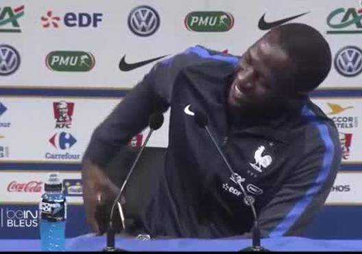 Euro_2016__Petite_galere_pour_Moussa_Sis