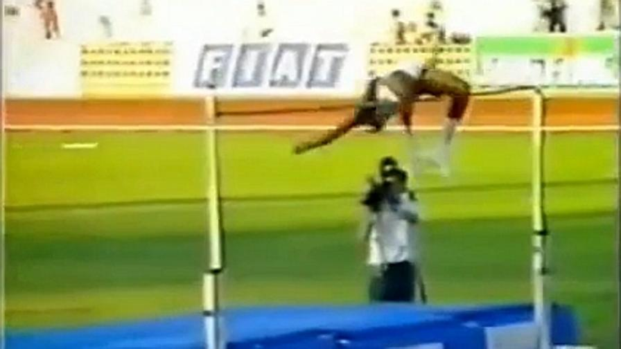 javier sotomayor disintegra record mondo salto in alto il On record del mondo salto in alto