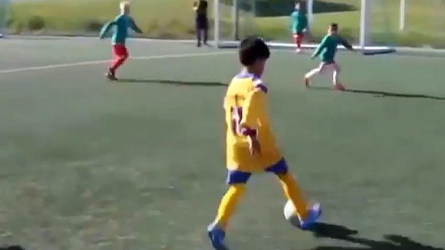 Juventus punta Rashed Al Hajjawi: 10 anni, talento palestinese