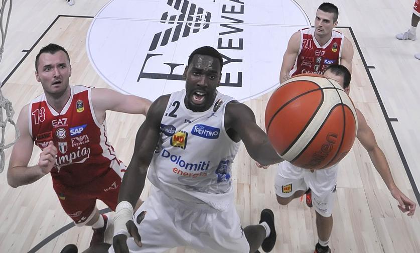 Basket Olimpia Milano Trento