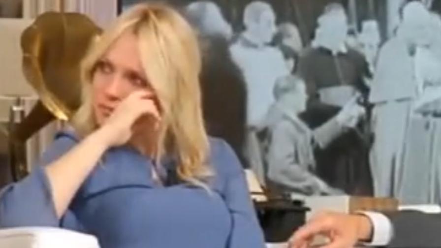 Laura Forgia Calendario.Bacchettata In Diretta Piange In Diretta La Ex Miss Del