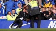 Conte esulta senza freni a Stamford Bridge. Reuters