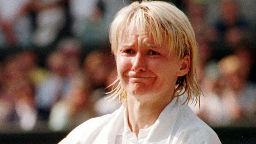 Risultati immagini per foto di jana novotna, campionessa del tennis e morta di cancro
