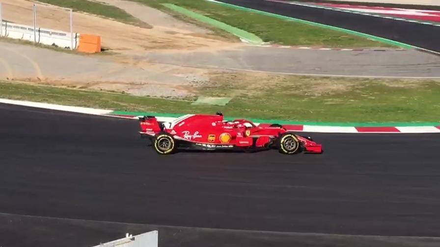 Test F1, la Ferrari è una scheggia: le immagini
