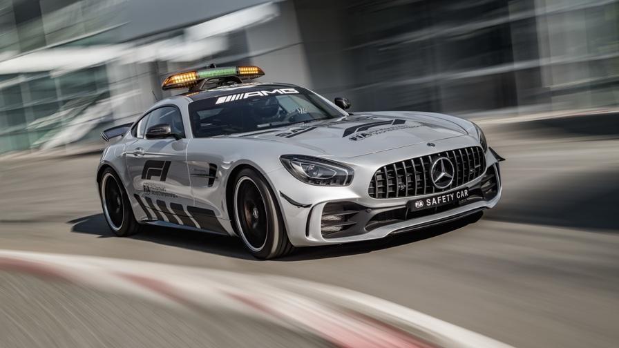 La safety car da 318 km/h<br>E' la più veloce di sempre