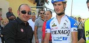 Il c.t. Paolo Bettini con Battaglin. Foto Bettini
