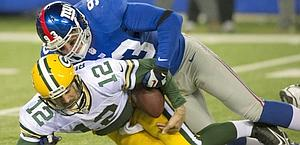 Blackburn placca Rodgers: per il qb dei Packers 5 sack. Reuters