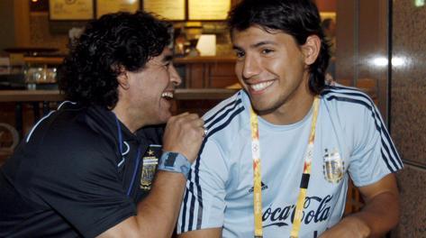 Aguero-Maradona, guerra in famiglia. El Kun soffia l'amore ...
