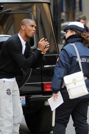 images2.gazzettaobjects.it/gallery/Calcio/2011/03_Marzo/multa_eto/1/img_1/etoo_02_672-458_resize.jpg