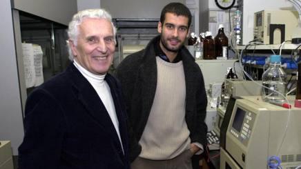 Il professor Garattini con Guardiola. Liverani