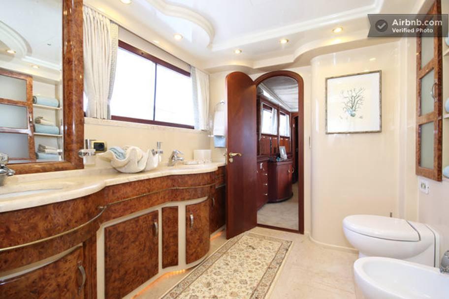 Oltre 2000 euro per una notte sullo yacht di bode miller for Appartamenti barcellona 20 euro a notte