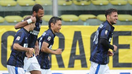 Serie A, Parma-Inter 0-2: Handanovic para un rigore, poi Rolando e Guarin