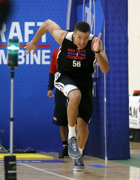 Aaron Gordon da Arizona impegnato negli scatti a tre quarti campo. Ap