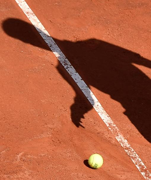 All'inizio Novak Djokovic è un'ombra...