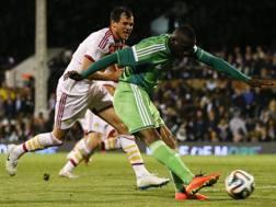Il gol del 2-2 di Uche Nwofor in Scozia-Nigeria 2-2. Ap