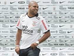 Il centravanti brasiliano Adriano, 32 anni. Epa