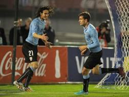 Edison Cavani e  Christian Stuani hanno firmato il 2-0 dell'Uruguay sulla Slovenia. Afp