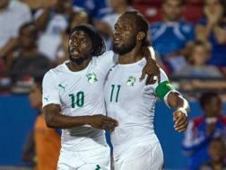 Gervinho e Drogba sorridono, la Costa d'Avorio promette di far bene. Reuters