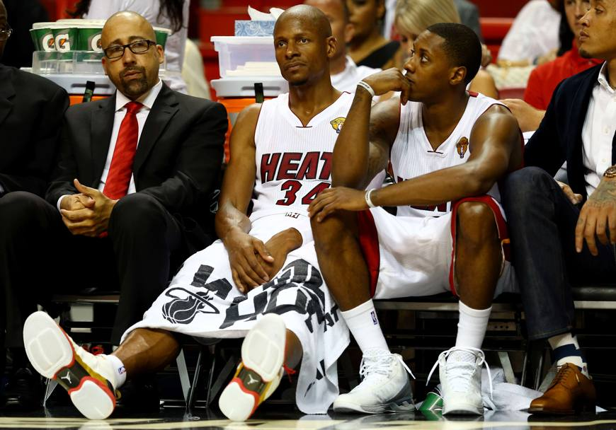Ray Allen #34 and Mario Chalmers #15 in panchina (Getty Images)