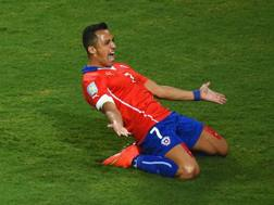 Alexis Sanchez esulta dopo il gol dell'1-0. Getty