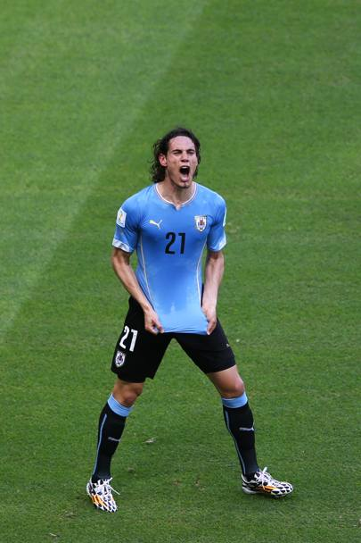 Edinson Cavani esulta dopo il gol. Getty Images