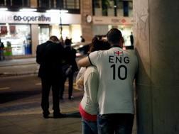 Due tifosi inglesi al termine del match di Manaus. Getty Images
