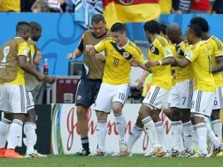 La danza colombiana dopo il gol di James Rodriguez. Epa
