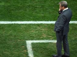 Un perplesso Roy Hodgson durante la gara persa con l'Uruguay. Getty Images