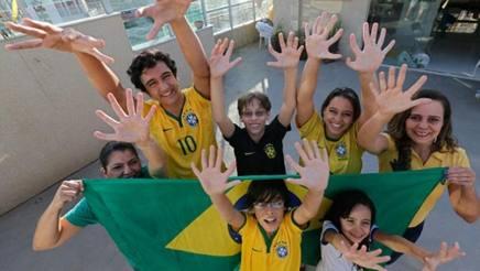 Mondiale, Brasile. La famiglia con sei dita spera nella sesta coppa - La Gazzetta dello Sport