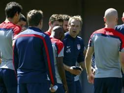 Jürgen Klinsmann durante l'allenamento. Reuters