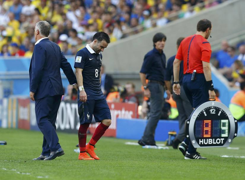 Valbuena esce dal campo. Action Images