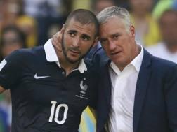 La delusione di Benzema e Deschamps dopo lo 0-1 con la Germania. Reuters