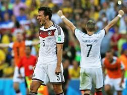 L'esultanza di Mats Hummels, 2 gol al Mondiale. Epa