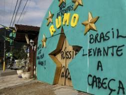 Scritte nel ritiro del Brasile a Teresopolis. Action Images
