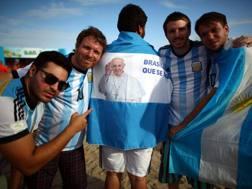 Tifosi argentini in attesa della sfida a Rio. Ansa