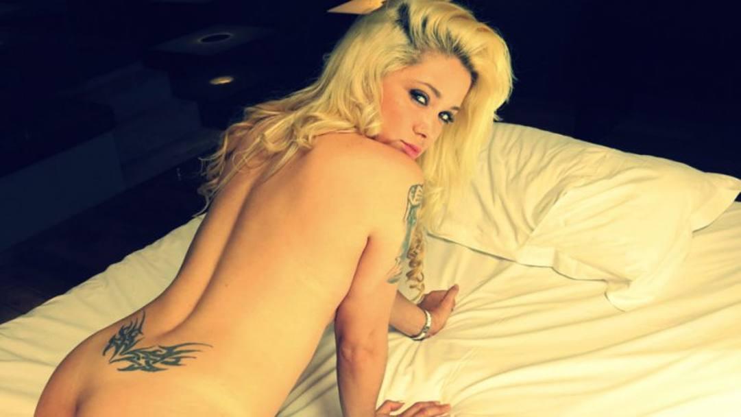 Bionda di youtube in sexy lingerie - 3 part 7