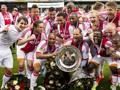 L'Ajax festeggia la vittoria dell'ultimo campionato olandese. AP